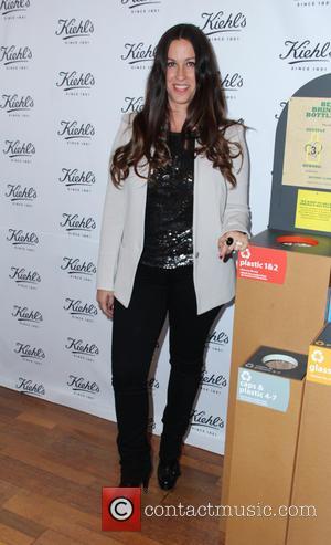 Alanis Morissette Slams Ex-nanny's Lawsuit