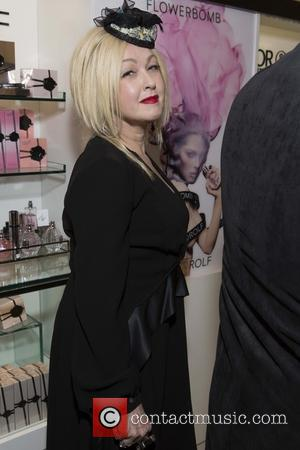 Cyndi Lauper - 'Kinky Boots' in store performance
