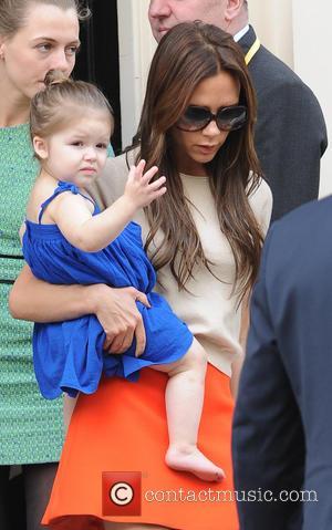 Victoria Beckham - Victoria Beckham with daughter Harper