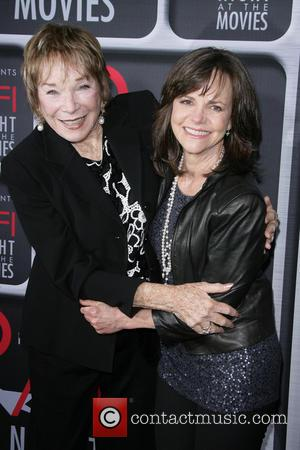 Shirley Maclaine Felt The Heat On Downton Abbey Set
