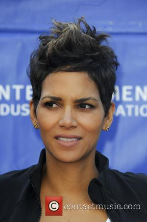 Pregnant Halle Berry Treated To Mother's Day Meal By Nahla And Olivier