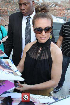 Alyssa Milano Project Runway All-Stars Role Confirmed!