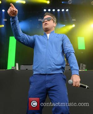 Robbie Williams Hooks Up With Dizzee Rascal At Radio 1 Big Weekend To Kick Start The Festival In Style