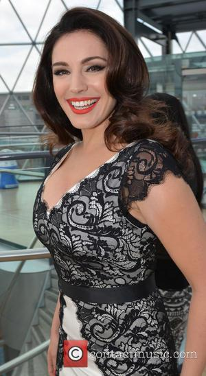Kelly Brook - Kelly Brook kicks off Victoria Square's 5th Birthday Bash in Belfast - Belfast, Northern Ireland - Saturday...