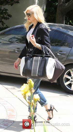 Gwen Stefani - Gwen Stefani visits her mother's house with her son Kingston, after her family attended a birthday party...