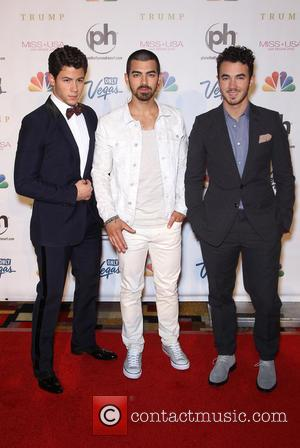 Jonas Brothers Scrap Show Due To Bad Weather