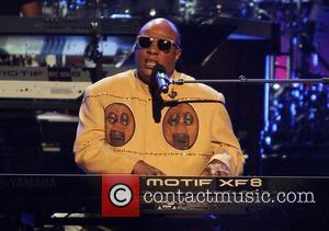 Stevie Wonder Talks Gun Laws At Global Citizen Festival