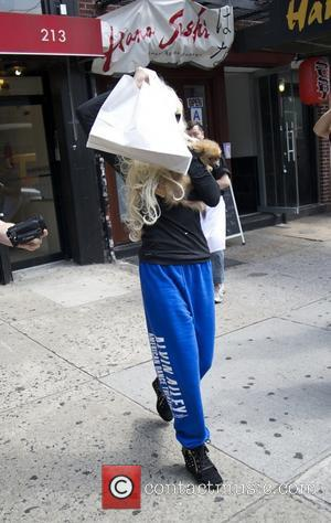 Amanda Bynes Spoken To By Cops Again