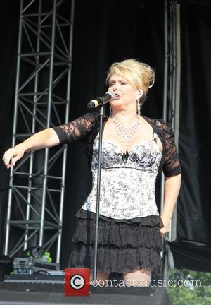 Bucks Fizz Star Pays Tribute To Late Parents On Solo Debut