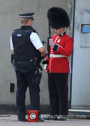 Buckingham Palace, Policeman and Royal Guard