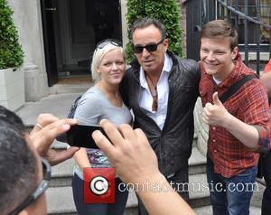 Bruce Springsteen Back At No. 1 With 'High Hopes'