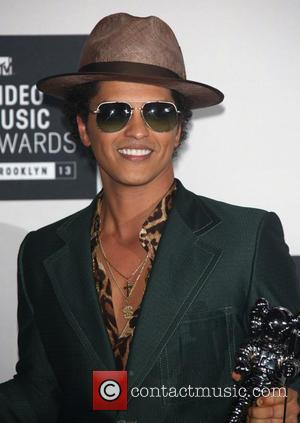 Straight After His European Tour, Bruno Mars Might Stop By In New Jersey For The Super Bowl Half Time