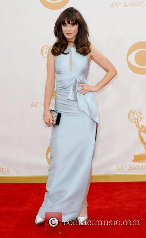 Zooey Deschanel To Produce Her First Movie