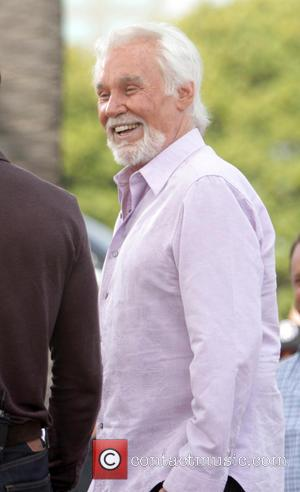 Kenny Rogers Wants To Tour With Dolly Parton