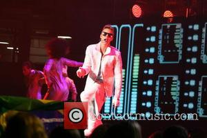 Generous Justin Bieber Makes It Rain In Texas Strip Club