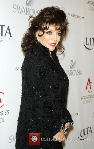 Joan Collins Helps Raise Thousands For Charity