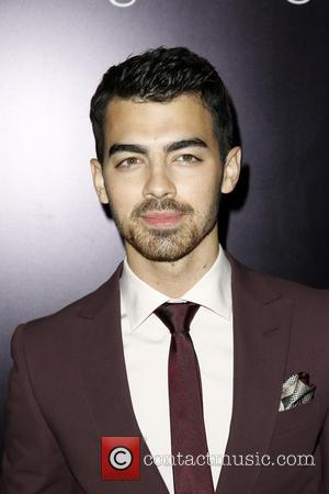 Former Disney Star Dylan Sprouse Criticises Joe Jonas For Tell-all Article