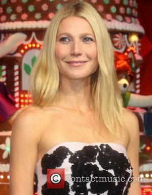 Gwyneth Paltrow And Chris Martin's Split Angers Working Moms With Office Jobs