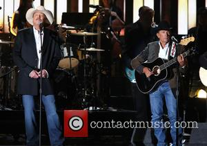 Alan Jackson Plays Surprise Gig At Restaurant Opening