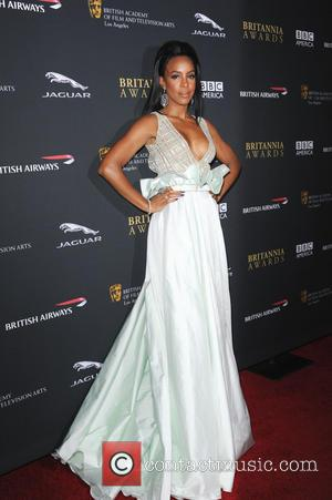 Kelly Rowland And Michael Bolton Turn Backing Singers At Charity Gala