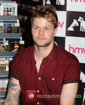 Jay McGuiness - The Wanted sign their new album