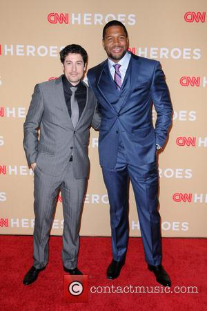 Jason Biggs Not Impressed With Coffee Shop's Paul Walker Tips Tribute