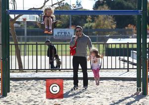 Ben Affleck, Seraphina Affleck and Violet Affleck - Ben Affleck with his daughters at Palisades Park and Recreation Center pushing...