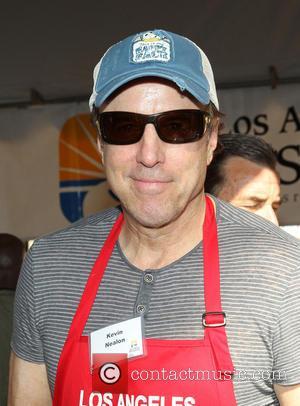 Kevin Nealon Hosting Fundraiser For Cancer-stricken Pal