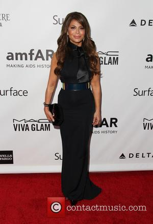 Paula Abdul Sues Tanning Salon Bosses Over Burned Leg