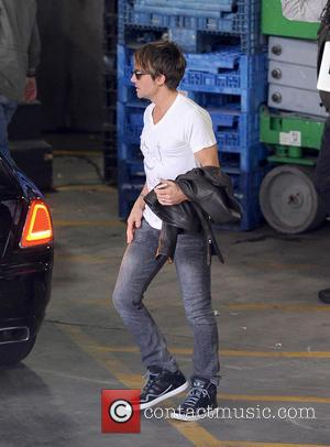 Keith Urban - Jennifer Lopez arrives for the 'American Idol' Hollywood week auditions in Los Angeles. The fashionable diva was...