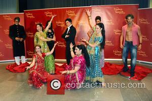 Amitabh Bachchan, Kareena Kapoor, Shah Rukh Khan, Hrithik Roshan and Rang De by Zaraa Vi - Unveiling of five wax...