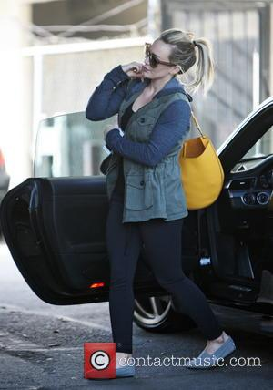 Hilary Duff - Hilary Duff arriving at a hair salon in West Hollywood - Los Angeles, California, United States -...