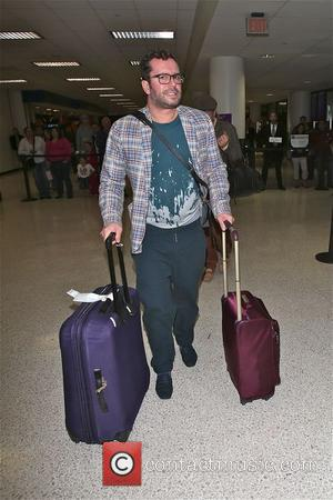 Paul Drayton - Alan Carr and partner Paul Drayton arrive at LAX  and goof around at the airport -...