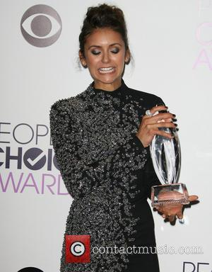 People's Choice Award Makes Nina Dobrev And Ian Somerhalder Recall Their Entire Romantic History Onstage