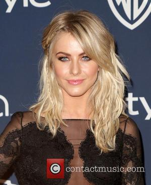 Julianne Hough - 15th Annual Warner Bros And InStyle Golden...