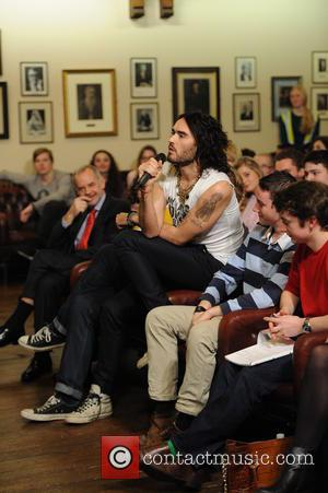 Russell Brand Wants Help For Justin Bieber After Philip Seymour Hoffman's Death