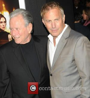 Kevin Costner Mace Neufeld - Los Angeles Premiere of 'Jack Ryan: Shadow Recruit' at the TCL Chinese Theatre - Red Carpet...