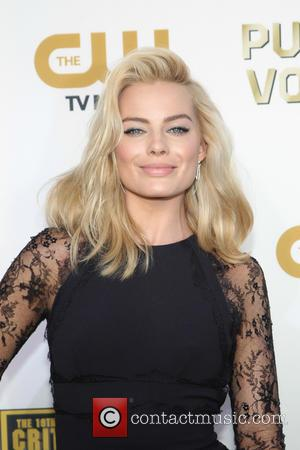 Margot Robbie - The 19th Annual Critics' Choice Awards at The Barker Hangar - Santa Monica, California, United States -...