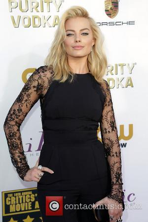 Margot Robbie - The 19th Annual Critics' Choice Awards at The Barker Hangar - Arrivals - Los Angeles, California, United...