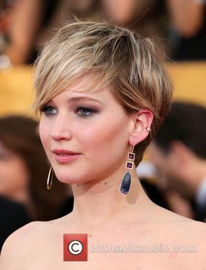 Jennifer Lawrence, Armpit Vaginas And Her Crazy Faces Are The Toasts Of The SAG Awards [Photos]