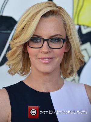 Jenny Mccarthy Gets Blasted On Twitter For Controversial Vaccination Views