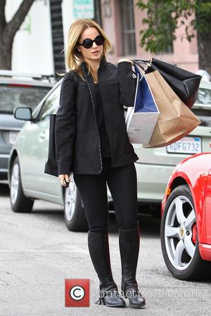 Mena Suvari - Mena Suvari out shopping in Beverly Hills - Los Angeles, California, United States - Wednesday 22nd January...
