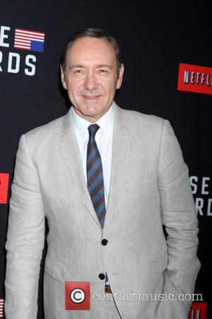 'House Of Cards' Season 2 Opens With A Shocking Death As Frank Celebrates His Birthday
