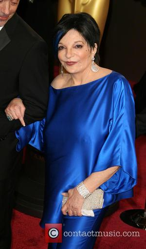 Poor Liza Minnelli: Starlet Is Butt Of Oscars Jokes, Thanks To Ellen DeGeneres