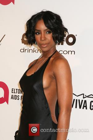 Kelly Rowland Keeps Her Hands Under Wraps Amid Wedding Reports
