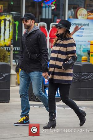 Olivia Wilde and Jason Sudeikis - Jason Sudeikis and pregnant Olivia Wilde heading to 'Cafe Cluny' in West Village on...
