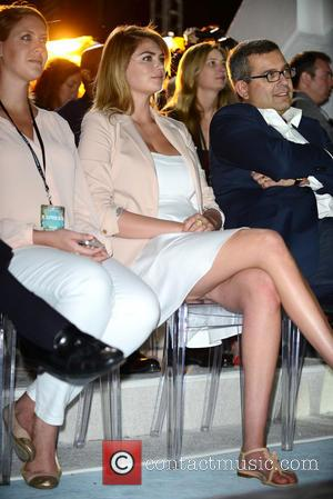 Kate Upton and David Kornberg - Kate Upton attends the EXPRESS South Beach Runway Show held at The Raleigh Hotel...