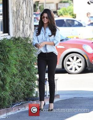 Selena Gomez To Testify In Justin Bieber's Photographer Assault Case
