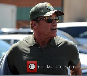 Arnold Schwarzenegger - Arnold Schwarzenegger goes out to lunch at Caffe Roma in Beverly Hills - Los Angeles, California, United...