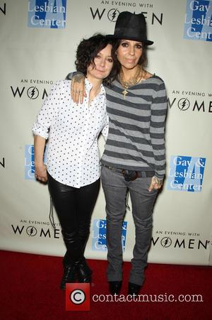In Celebration Of Hollywood Cool Couple Sara Gilbert And Linda Perry